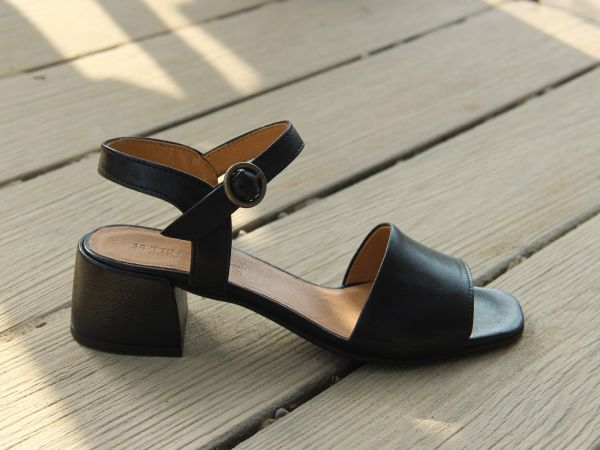 elegante Riemensandale in Farbe schwarz