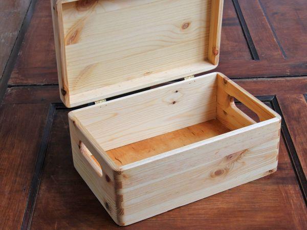 Holzkiste praktisch
